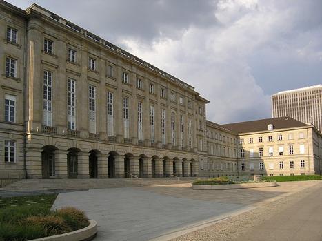 Ernst-Reuter-Haus, Berlin-Charlottenburg