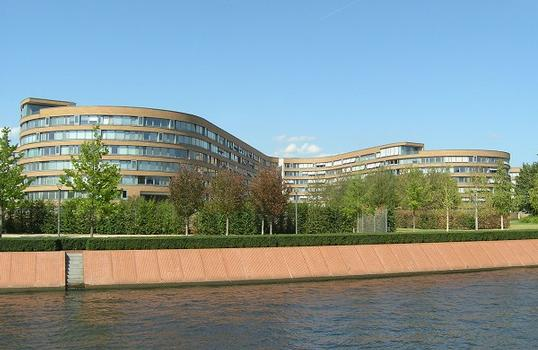 """Wohnungen für Bundesbedienstete Moabiter Werder (""""Schlange""""), Berlin"""