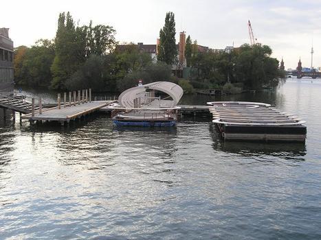 Badeschiff Spreebrücke