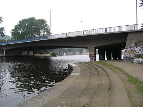 Kennedybrücke, Hamburg