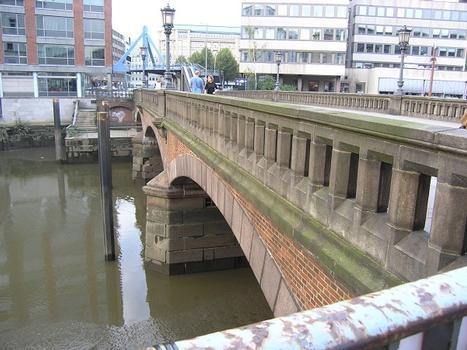 Holzbrücke, Hamburg