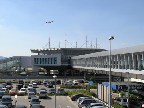 Metro/Train Station Terminal am Athener Flughafen