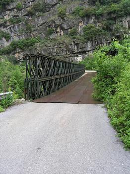 Pont sur le Kalaritikos
