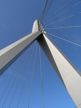 Berliner Brücke, Halle