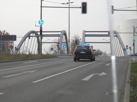 Hermann-Gladenbeck-Brücke über A 113, Berlin