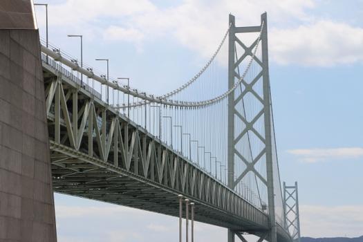 Akashi-Kaikyō-Brücke