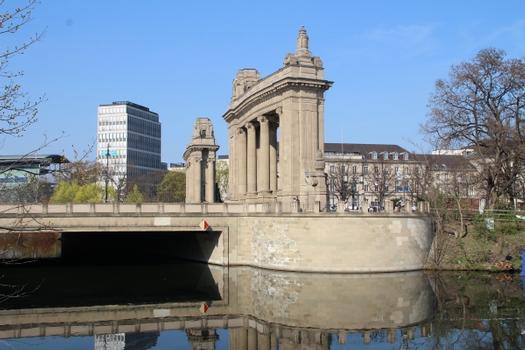 Charlottenburger Tor, Berlin