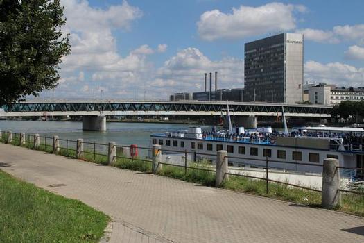 Dreirosen Bridge