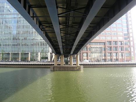 Heron Quays Bridge