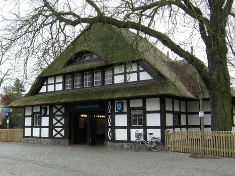 Station de métro «Dahlem-Dorf», Berlin