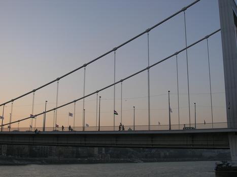 Elizabeth Bridge (Erzsébet hid), Budapest