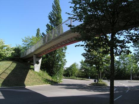 Passerelle sur la Mia-Seeger-Strasse à Stuttgart