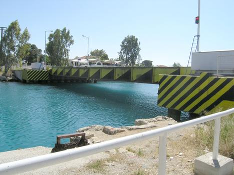 Pont submersible d'Isthmie