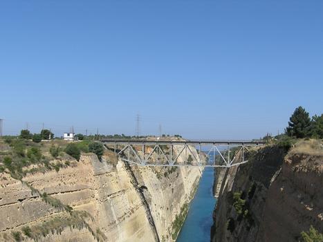 Pont ferroviaire sur le canal de Corinthe