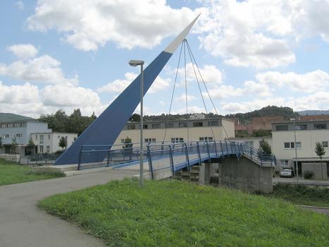 Fußgängerbrücke, Metzingen (über B 313, Am Korrenbach)
