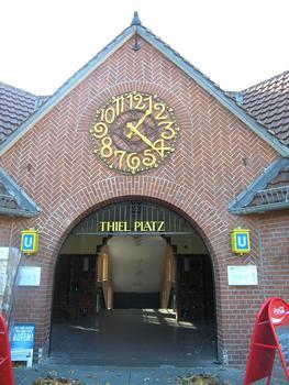 U 3 - Gare de métro Thielplatz à Berlin