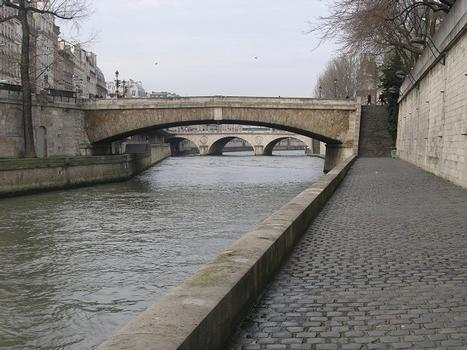 Petit Pont, Paris