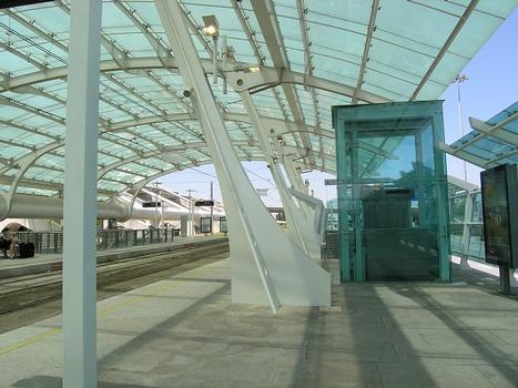 Metrostation Aeroporto, Porto, Portugal
