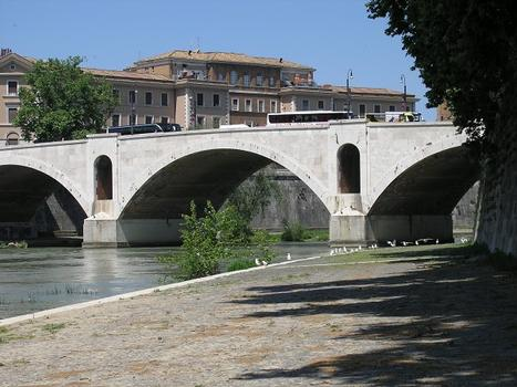 Ponte Principe Amedeo, Rom