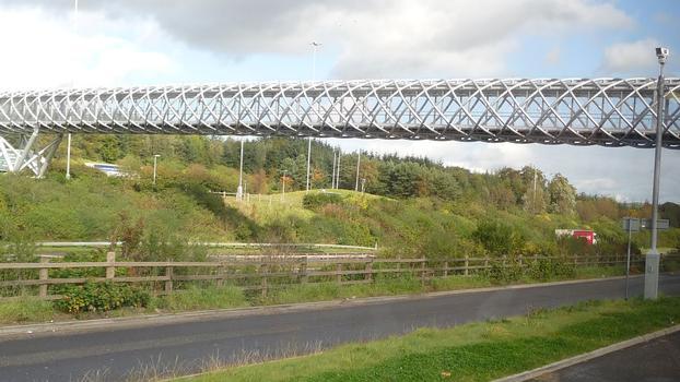 M8 Harthill footbridge, Schottland