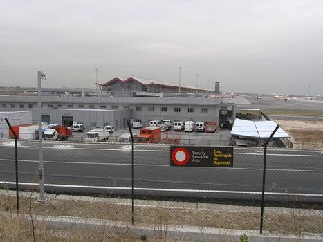Aéroport international de Madrid Barajas – Aérogare 4 de l'aéroport de Madrid-Barajas