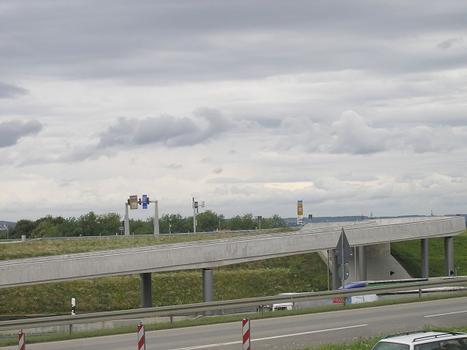 Landesmesse Baden-Württemberg, Äußere Verkehrserschließung, Überführung der Einfahrrampe über AS Messe Nord und DB Projekt Stuttgart 21