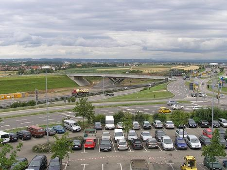 Überführung der K1272 über die BAB A 8 und DB Projekt 21 (Frachthofbrücke), Stuttgart
