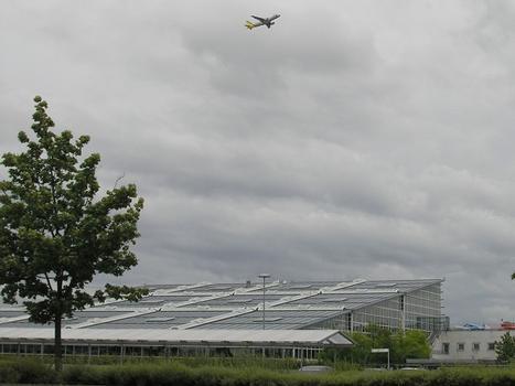 Flughafen Stuttgart, Terminal 1