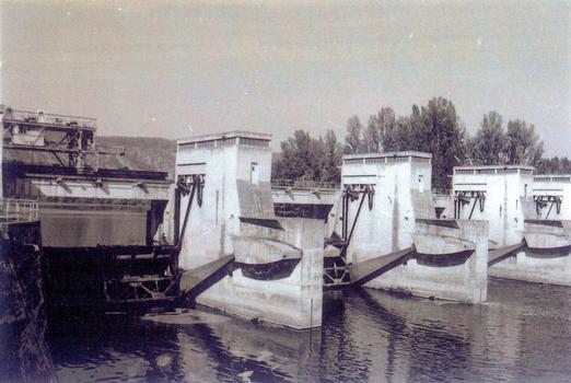 Luzech Dam