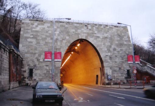 Tunnel de Buda - Portail ouest