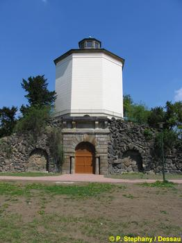 Turm der Acht Winde, Dessau