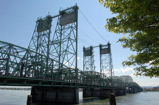 Interstate Bridge, Portland