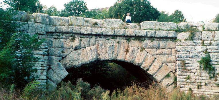 Ponte Manlio, Cagli