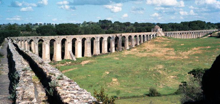 Aqueduc de Pegoes