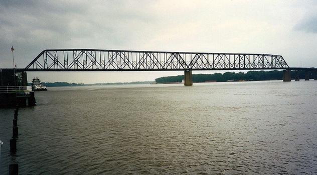 Quincy Soldier's Memorial Bridge
