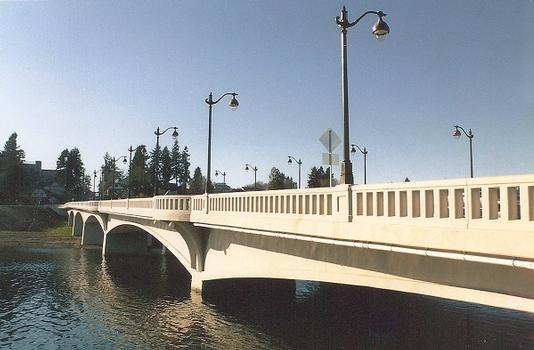 Olympia-Yashiro Friendship Bridge