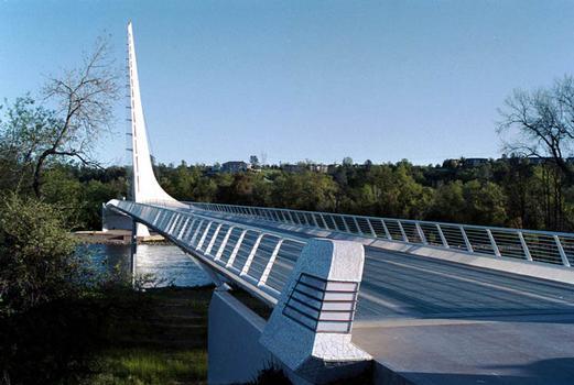 Turtle Bay Sundial Bridge