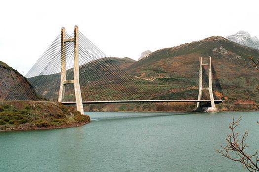 Barrios de Luna Bridge