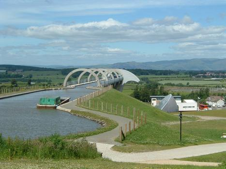 Falkirk Wheel viewed from the Union Canal, 35 m above lower basin