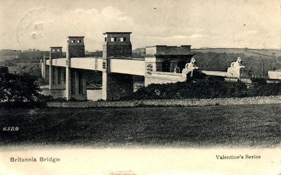 Britannia Tubular Bridge Postcard from the private collection of Jochem Hollestelle.