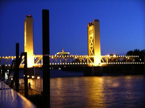 Tower Bridge M Street Bridge Sacramento River Bridge Old Sacramento, California USA