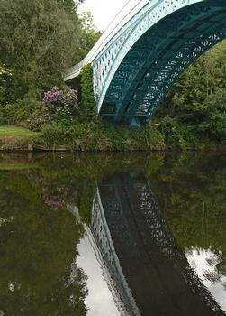 Eaton Hall Bridge - View of the arch from the east bank