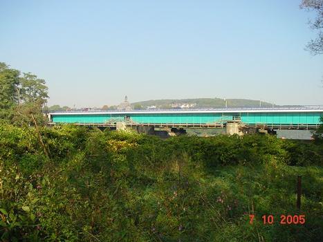 Blick von Süden auf die Brücke, nach der Erneuerung des Überbaus