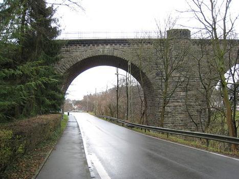 Eisenbahnviadukt Wengern, Wetter-Wengern nördlicher Bogen von der Triendorfer Straße aus gesehen (Ansicht von Westen)