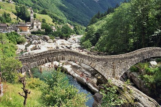 Ponte dei Salti, Lavertezzo, Verzascatal, Tessin (CH)