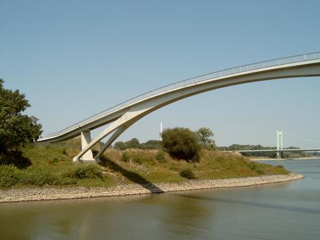 Köln-Mülheim Footbridge