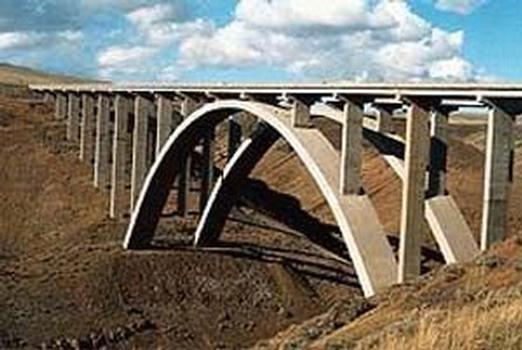 Fred Redmon Bridge, Yakima, Washington, USA