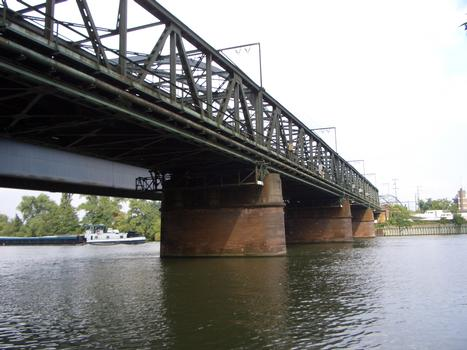 Alte Niederräder Eisenbahnbrücke, Frankfurt