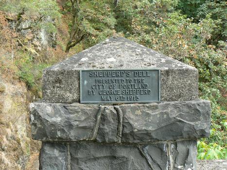 Shepperd's Dell (Young Creek) BridgePanneau