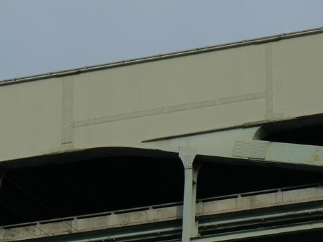 Construction crack repair on south tie girder (Fremont)